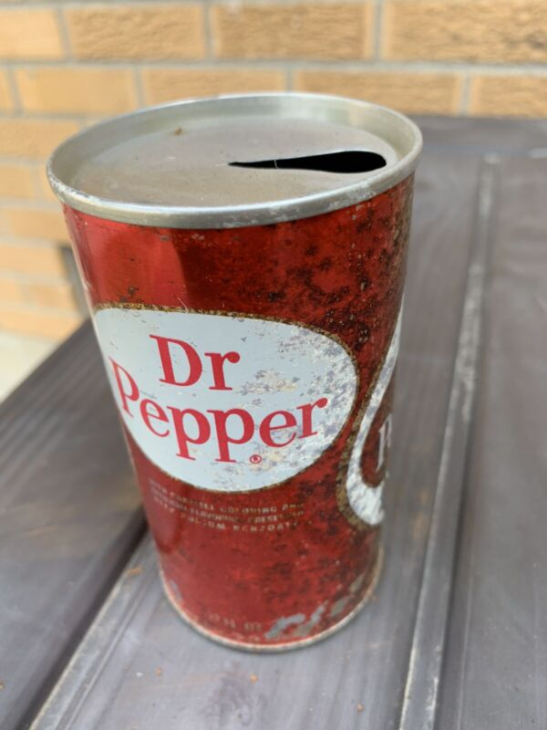 Dr. Pepper  - Vintage soda can  - Circle
