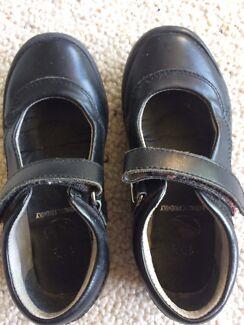Airflex kids school shoes size 10 1/2