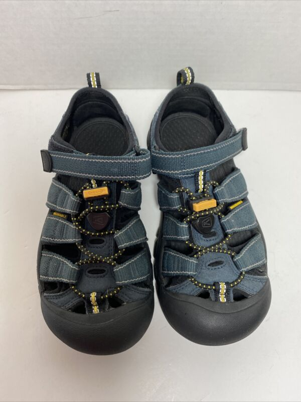 Keen Newport Sandals Youth Size 1 Blue Washable Waterproof Closed Toe Boys Shoes