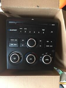 Ve series 1 head unit fascia Narre Warren South Casey Area Preview