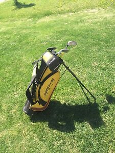 Kids right swing golf clubs