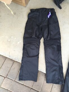 Dry Ryder Pants. Size S. BNWT!!  Mount Gravatt Brisbane South East Preview