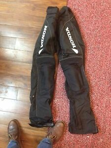Motorcycle gear : men's medium pants