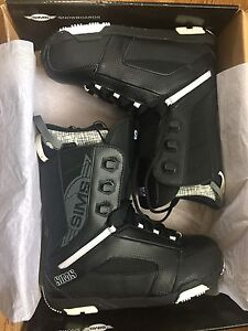 Brand new Sims size 10 snowboard boots