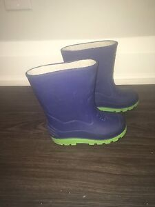 Size 10 toddler rain boots