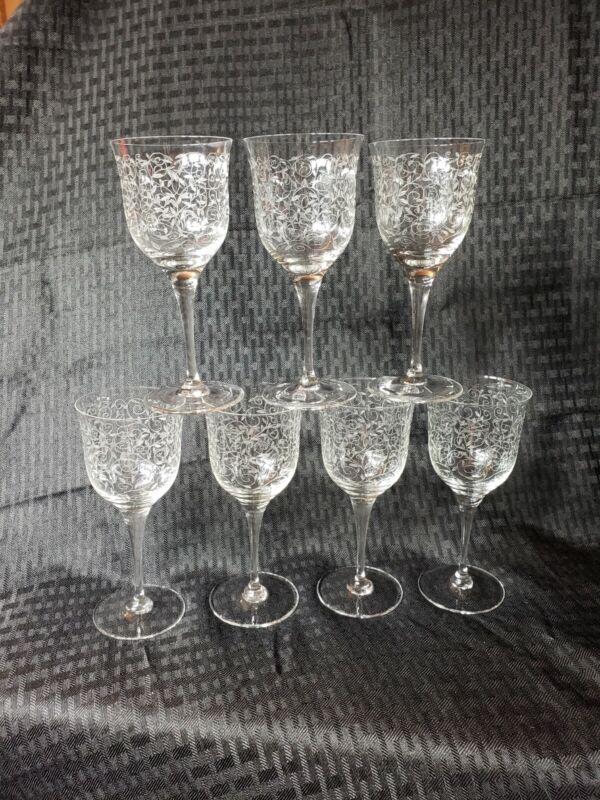 Vintage Cocktail Glasses Wine Etched Mid Century Modern Set of 7 Bar-Ware Vtg