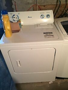 Laveuse et sécheuse // Washer and dryer -600$