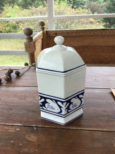 Dedham Pottery Reproduction Jar with Lid. 10 x 6.75 x 6 HWD