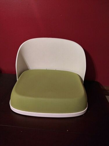 """Oxo Tot Perch """" Booster Seat for Big Kids """" Foldable Green No Straps Ages 3+"""