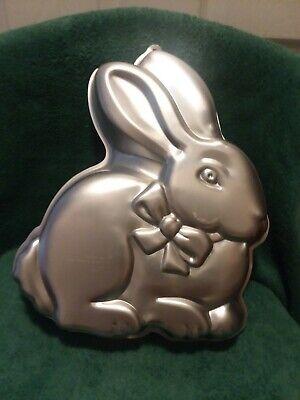 Wilton 1986 Easter Bunny Aluminu Cake Pan