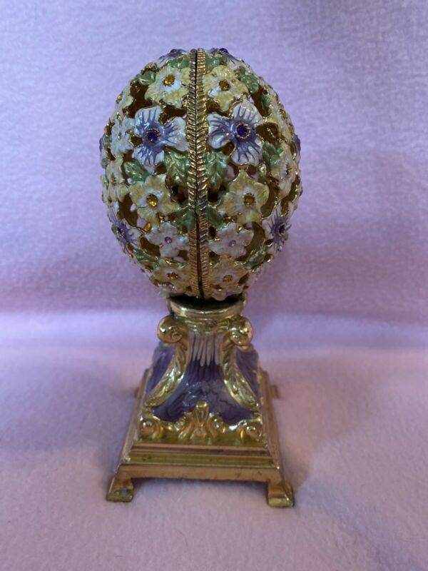"""Decorative Egg with Basket of Flowers 6 1/2""""tall With Music While Basket Rotates"""