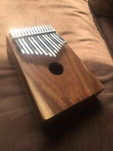 Kalimba with pickup !