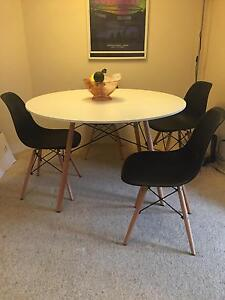 Replicas Eames table and chairs Coogee Eastern Suburbs Preview