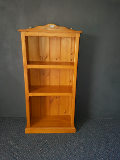 Colonial style solid pine bookcase