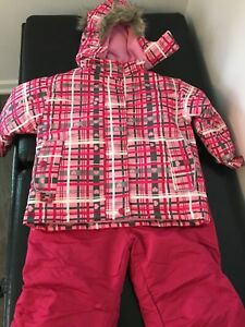 Almost brand new girls 4t snow suit