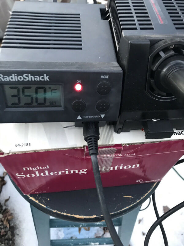 Radio Shack Digital Soldering Station 64-2185