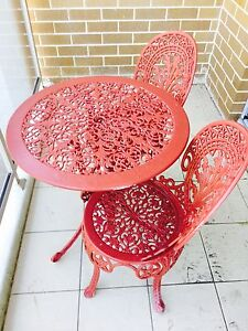 Cast iron outdoor table & chairs Long Jetty Wyong Area Preview