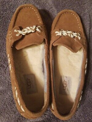 Preowned womens Ugg Australia Genoa Moccasins Leather Suede Size 9 Brown/Tan Leather Suede Moccasins