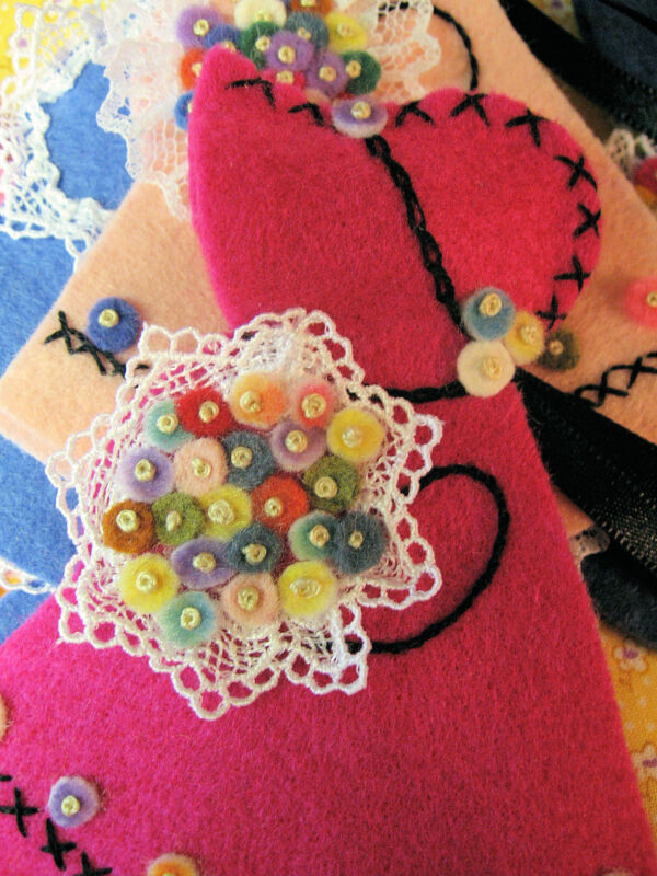 Pattern Kit for Vintage-Style Sunbonnet Sue needle book /case - wool felt choice