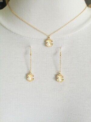 Delicate DAINTY ELEGANT golden pearl in sea shell pendant collar chain necklace ()