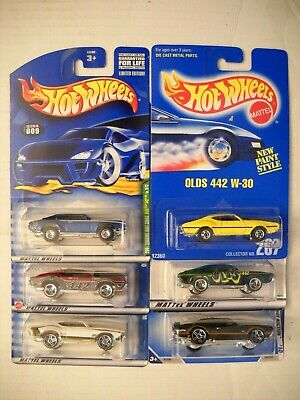 Hot Wheels 2001 Treasure Hunt Olds 442 W-30 Oldsmobile Blue Card Wal*Mart Lot