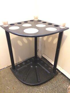 Corner pool table / billiard table cue rack