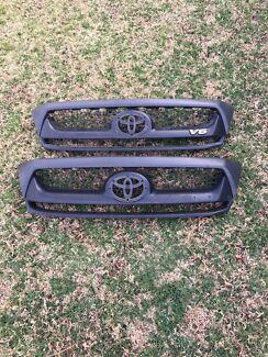 Toyota Hilux grills******2011