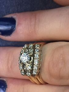Must sell! REDUCED PRICE! Gorgeous diamond ring - antique
