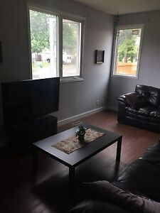 Room for rent in Beautiful Akinsdale Gardens