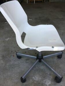 SNILLE office desk swivel chair – FREE TODAY