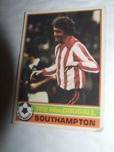 Ted MacDougall Southampton #133  Topps Football Card 1977   Red Backs