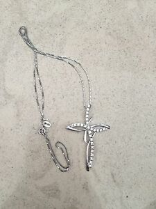 Cross necklace Maroubra Eastern Suburbs Preview