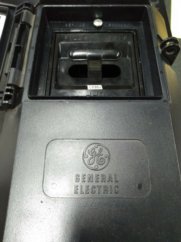 General Electric TPF30R Plastic Disconnect Box Enclosure 2-Fuse Pull-out/Flip
