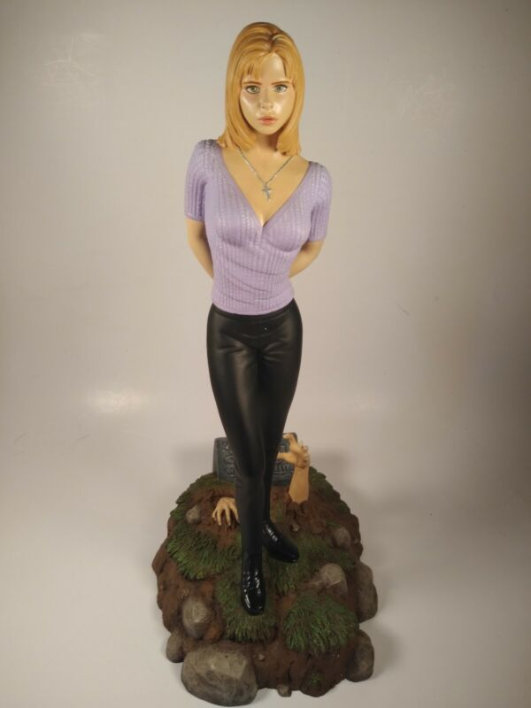 "Barber Studios ""Buffy The Vampire Slayer"" Statue IOB"