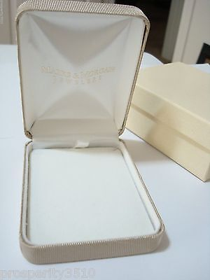 Marks and Morgans Jewelry Box for Necklace Empty Gift Box