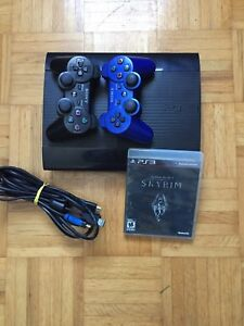 PS3 SUPERSLIM 500GB + 2 controllers and 7 games