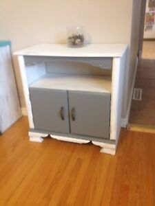 End table or cabinet