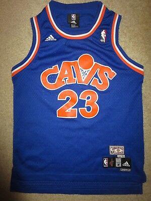 LeBron James 1989 Cleveland Cavaliers NBA Retro Jersey Youth M 10-12 children