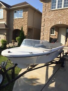 14' foot boat with 25horse Mercury