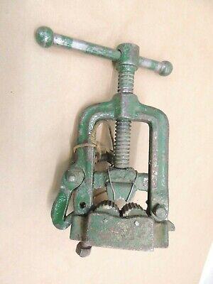 Vintage Green Pipe Vise Clamp Swing Open Latch Bench Yoke