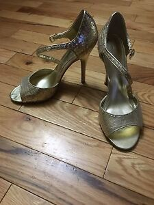 Aldo stiletto heels ~gold~