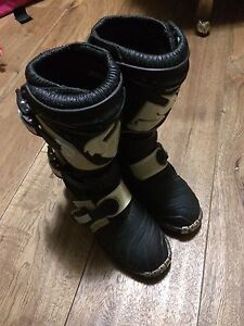 Thor dirtbike boots Youth size 4