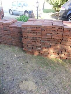 APPROX 800 RED BRICK PAVERS 50C A BRICK Attadale Melville Area Preview