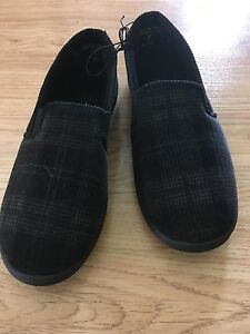 New slippers - men's size 7