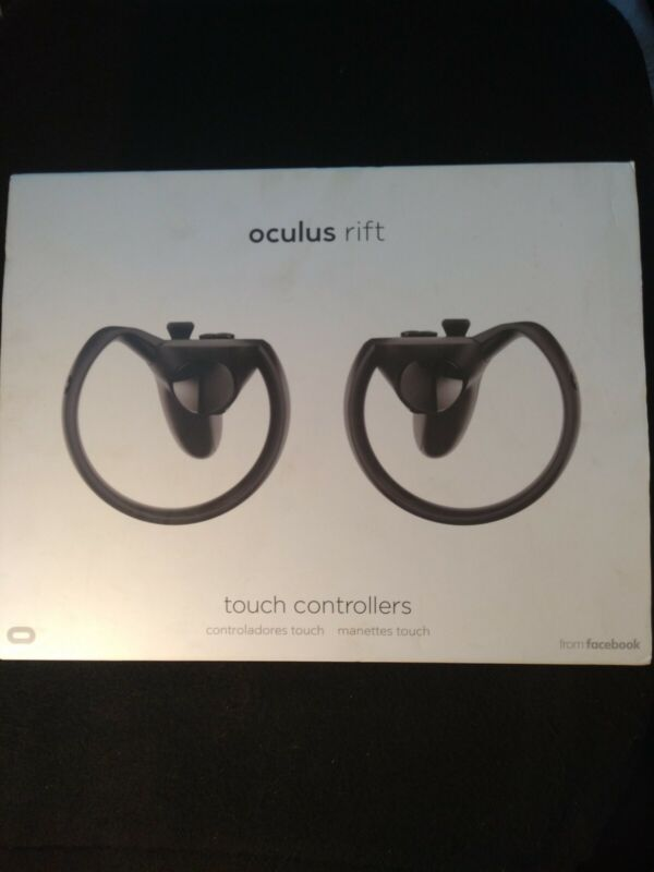OCULUS RIFT Touch Controllers and Sensor Bundle