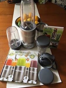 Nutribullet 900W 12 piece set & 2 x Recipe books Broadview Port Adelaide Area Preview