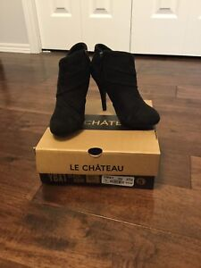 ***BRAND NEW***Women's Size 5 Boots