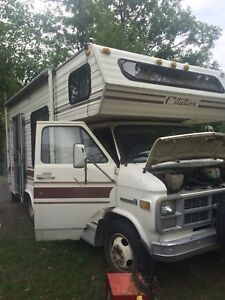 1983 RV for sale as is low km