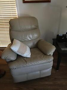 3 piece leather lounge suite Karalee Ipswich City Preview