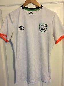 2016/2017 Republic of Ireland training football shirt Umbro small men's rare
